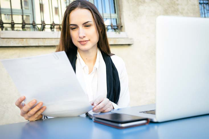 How to Spot Red Flags on A Resume